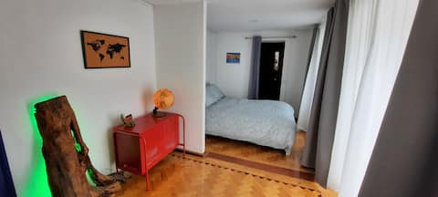 Private room & bathroom at surf lodge/hostel