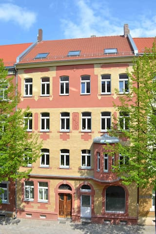 Large & newly renovated one bedroom - Erfurt - Apartment