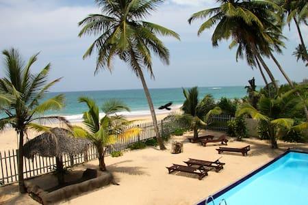 Six Degrees North Beach Villa