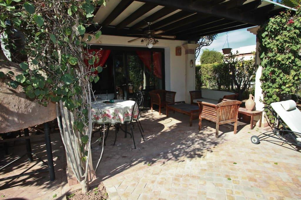 107 superbe villa avec piscine privee maisons louer for Location villa avec piscine agadir