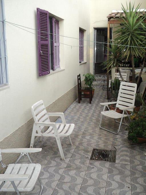 outside area, big private garden/balcony