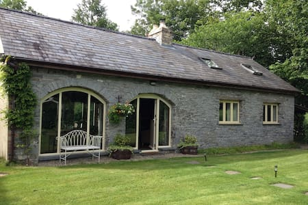 Kingfisher Cottage near Llandeilo - Лландейло - Дом