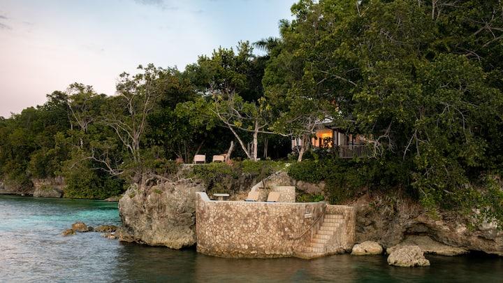 Three Bedroom Ocean Front Villa - Strangeways