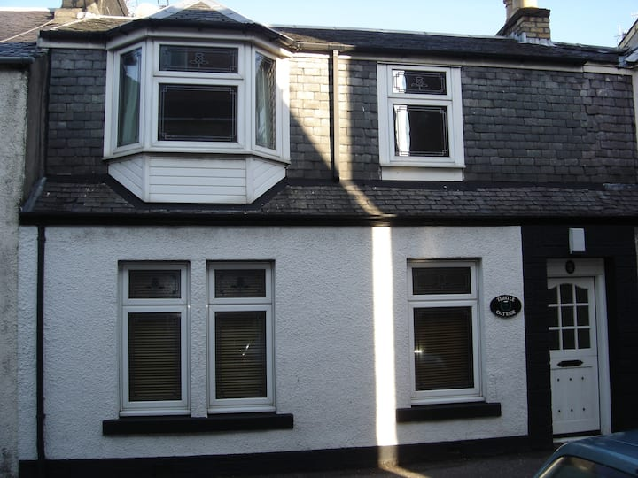 A large family cottage in the heart of Largs.