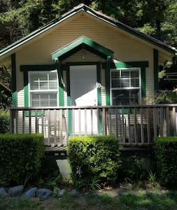 Woodland Villa Cabin 10