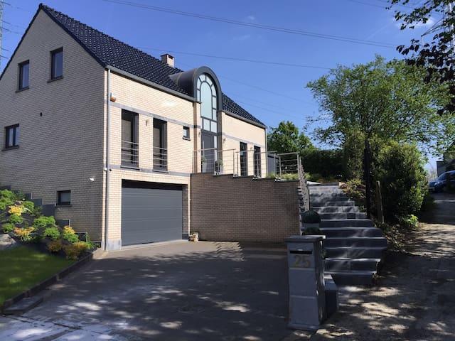 Villa de charme à 7 km de Bruxelles - Asse