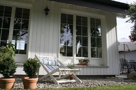 Studio, Jura & Trois-Lacs, Suisse - Treiten