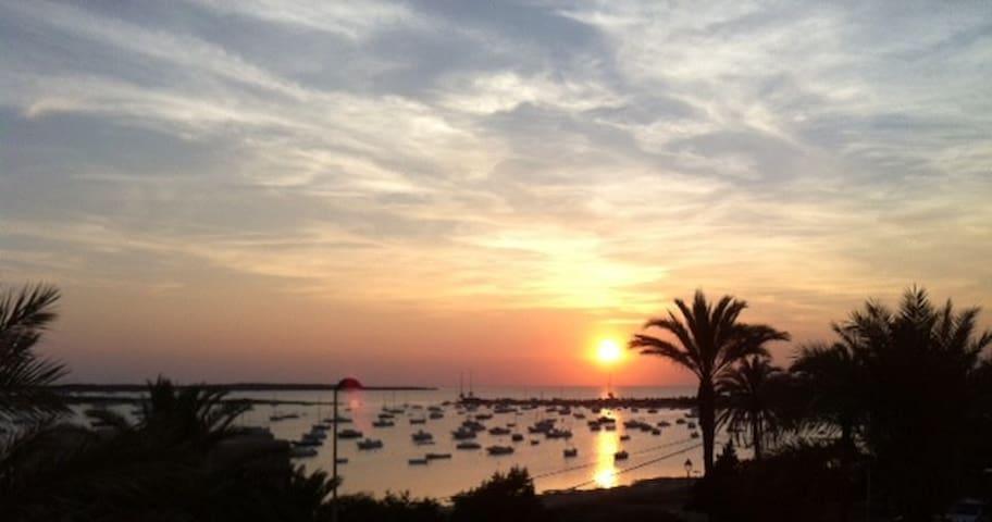 Triplex adosado en Pto.La Savina - La Savina, Formentera - Appartement