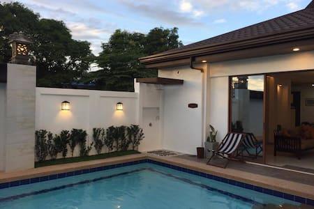 Jardin de Marina a private Balinese-inspired villa - Bocaue - Casa de camp