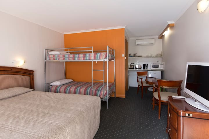 Tasman Ecovillage Motel Room - Nubeena - Other