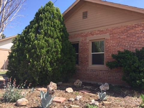NM Desert Artist's Cottage