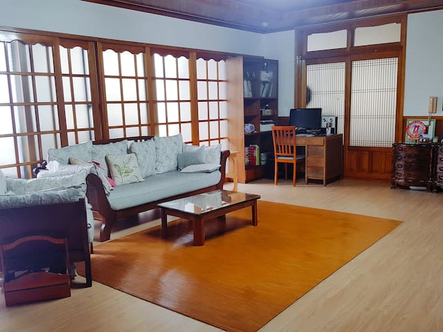 또똣 하우스 Totot House (newly renovated, low price) - Jungjeong-ro91beon-gil, Seogwipo - House