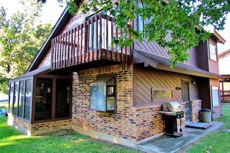 Top 20 coldspring vacation rentals vacation homes condo for Cabins near lake livingston