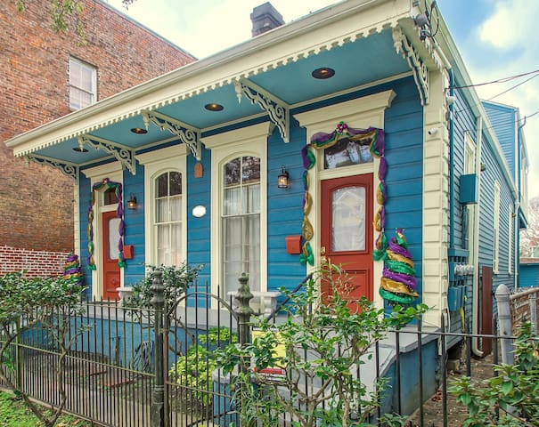 Camelback Guesthouse Apt 3 2 Bedroom Apartments For Rent In New Orleans Louisiana United States