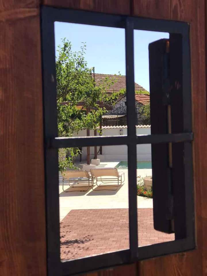 house for 4+2 pers with pool in Boraja R99311