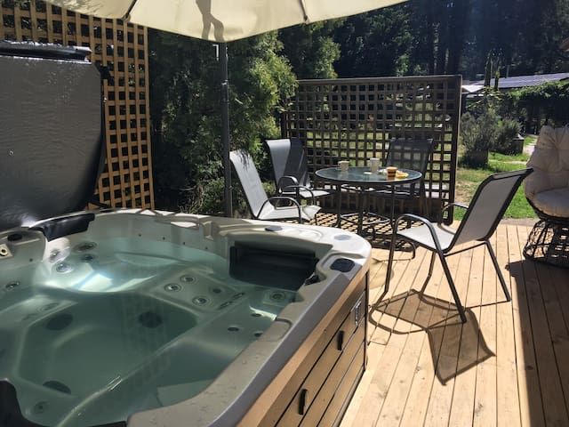 Cottage with outdoor spa - Kids and adults haven