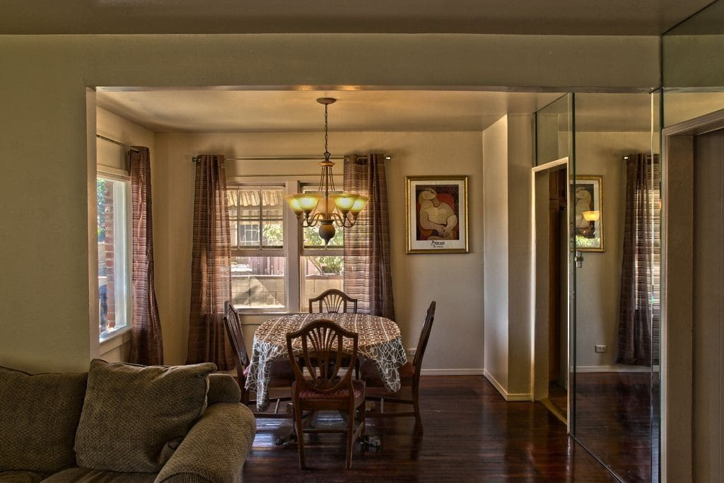Dining Room with expandable dining table.