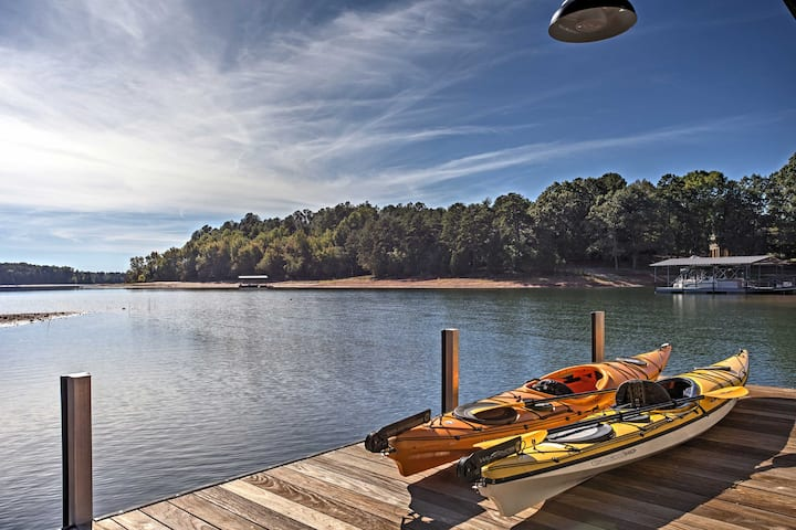 Anderson House w/ Private Dock on Lake Hartwell!