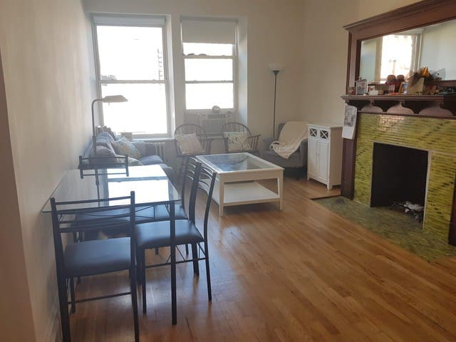 Beautiful UWS Apt. \\ 4 mins from Central Park