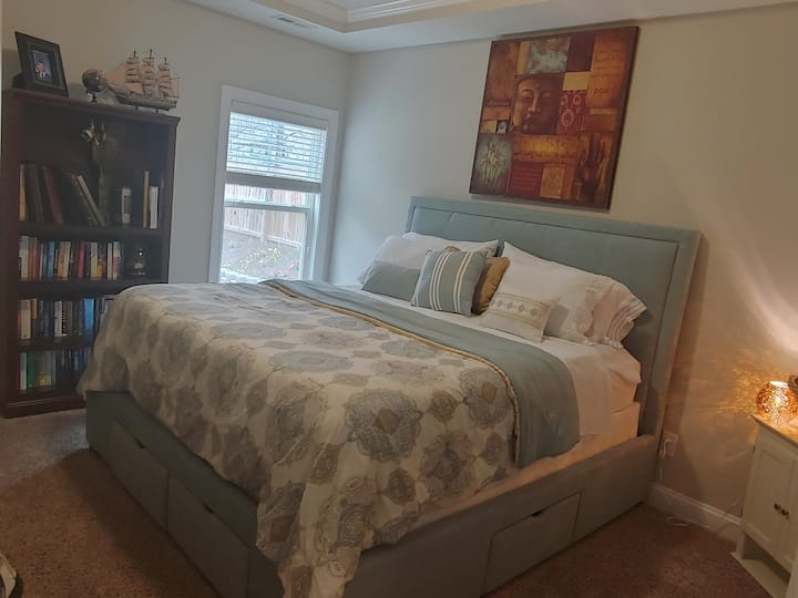 Large room w/king bed & pvt. bath on main floor.