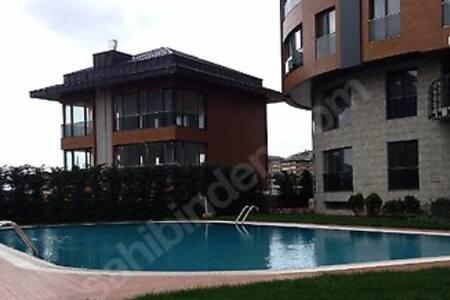 Sariyer'de 1+1 daire - Zekeriyaköy Köyü
