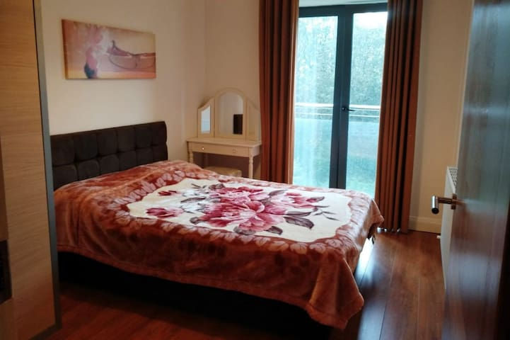 Ensuite near City Center & easy from/to Airport
