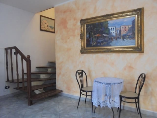 B&B ROYALE a Tivoli-Guidonia (Roma) - Villanova - House