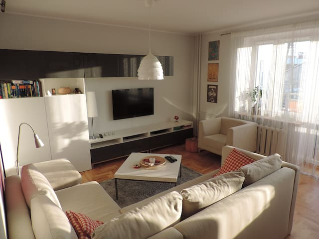 Nice, homy and light flat in a very good location