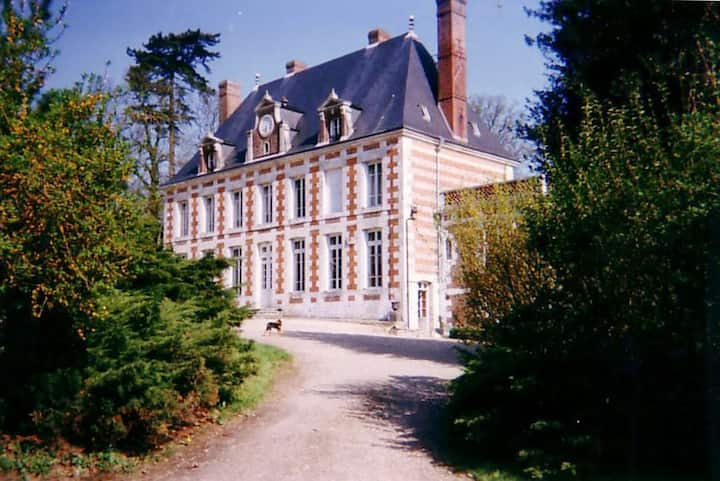La Chambre Rose dans le Château en Normandie