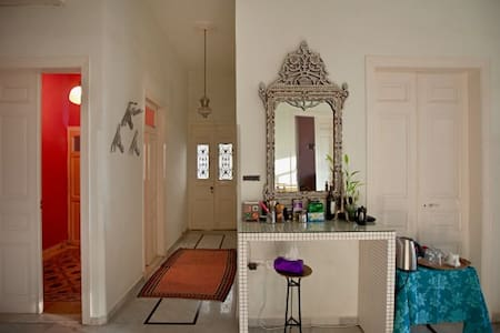 Hayete Guesthouse - South room - Beyrouth - Bed & Breakfast