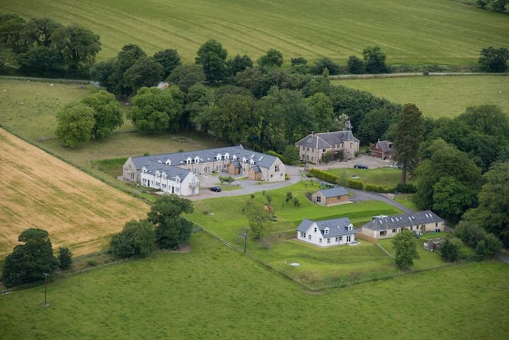 5 Star Luxury Holiday Cottages - Dingwall - Haus