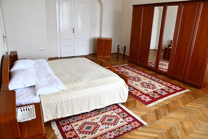 GB Apartments-Art Nouveau