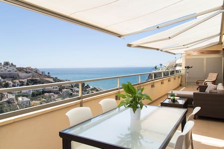 ✪ Bright penthouse with sea views ✪ - Appartement