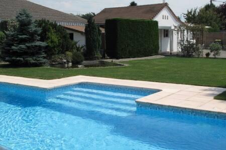 Location vacances - Ibos - Haus