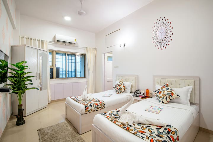 Airy 2 Bedrooms near Bandra Kurla Complex