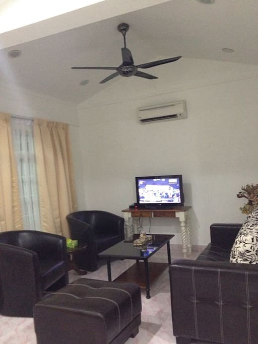 Fully air-conditioned home with ample seatings and full ASTRO channels