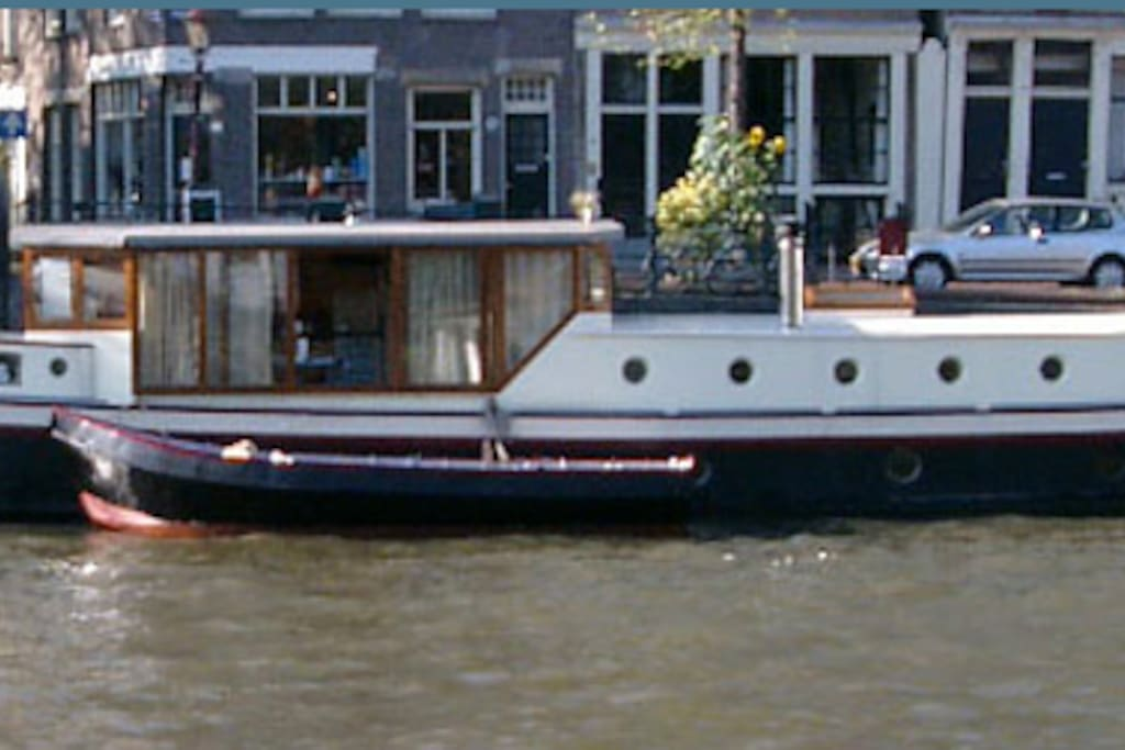 Luxury houseboat amsterdam c boats for rent in for Airbnb amsterdam houseboat