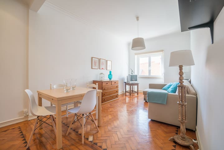 ShortStayFlat - Bright Apartment