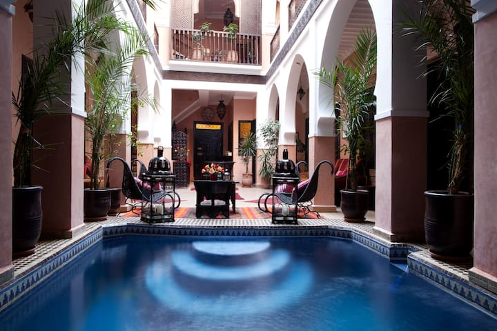 Riad La rose dorient Medina Marrakesh piscine &SPA - Marrakesh  - Bed & Breakfast