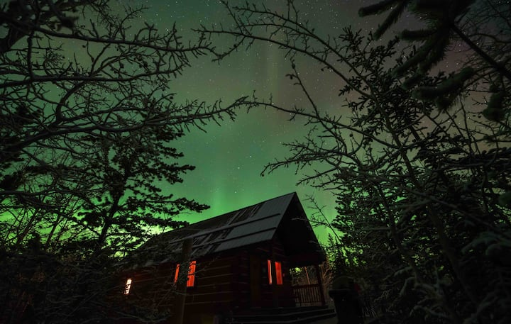 Aurora view log cabin at Sundog Retreat