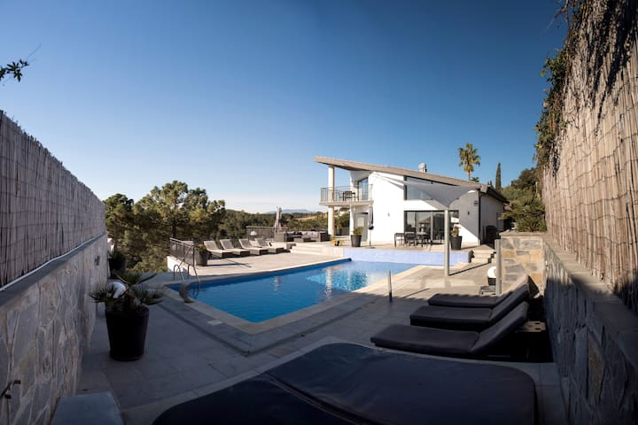 Casa Rocalla. Spektakuläre Villa!