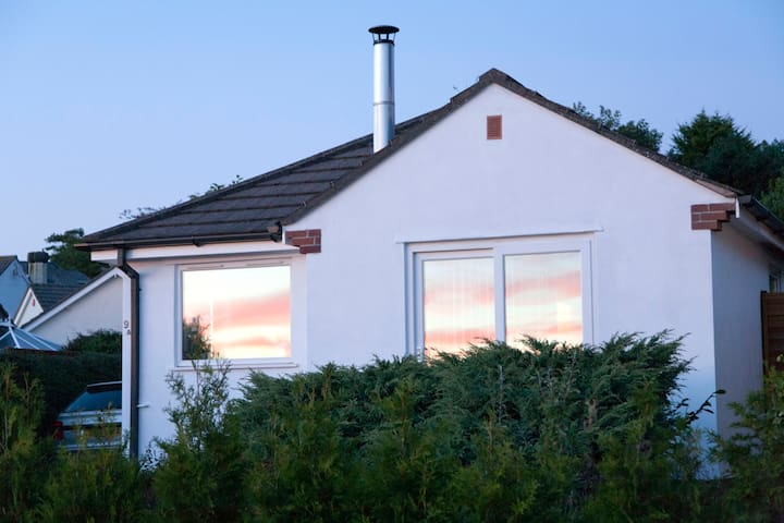 Light and airy home with views towards Dartmoor - Totnes