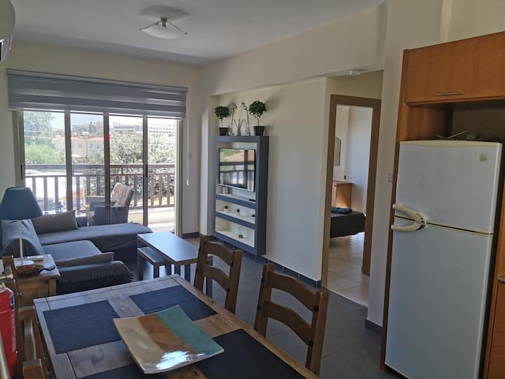 Two bedroom sea view apartm. 100 metres from beach