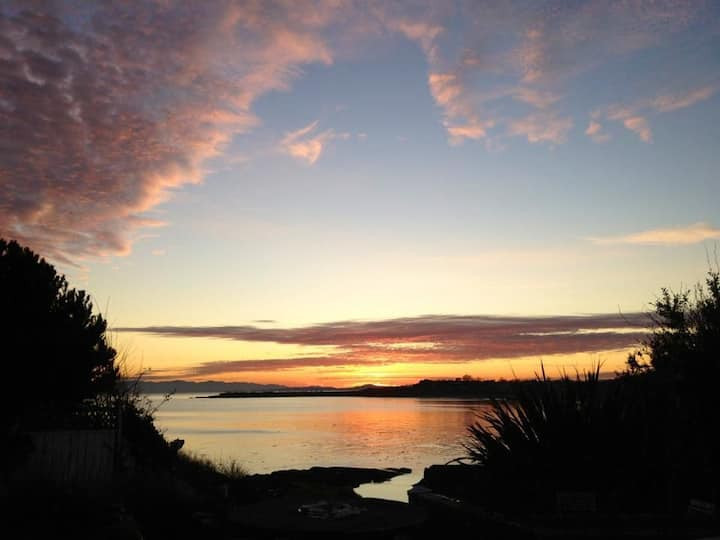 Enjoy Pacific sunsets on the bay