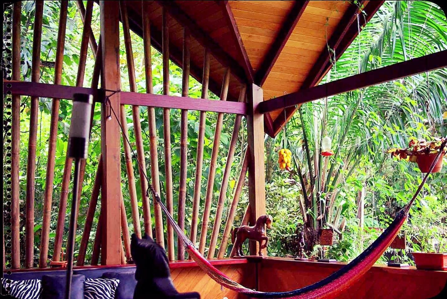 The outdoor/indoor lounge at Casa Manglar
