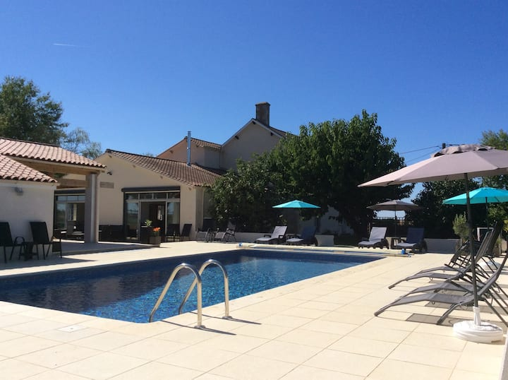 New 2018 Vendee/Deux Sevres border Heated Pool