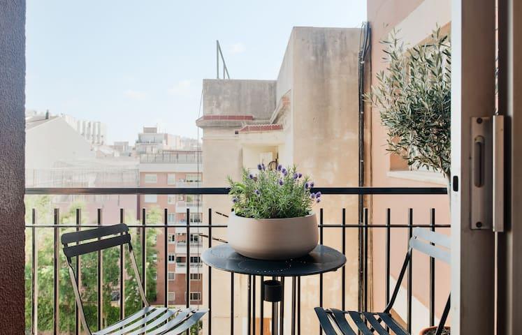 Cozy in best Barcelona's quarter