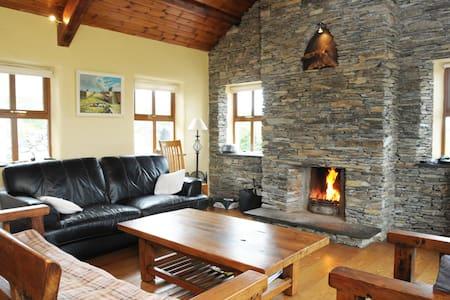 Old Stones Cottage Portmagee - Portmagee - Hus