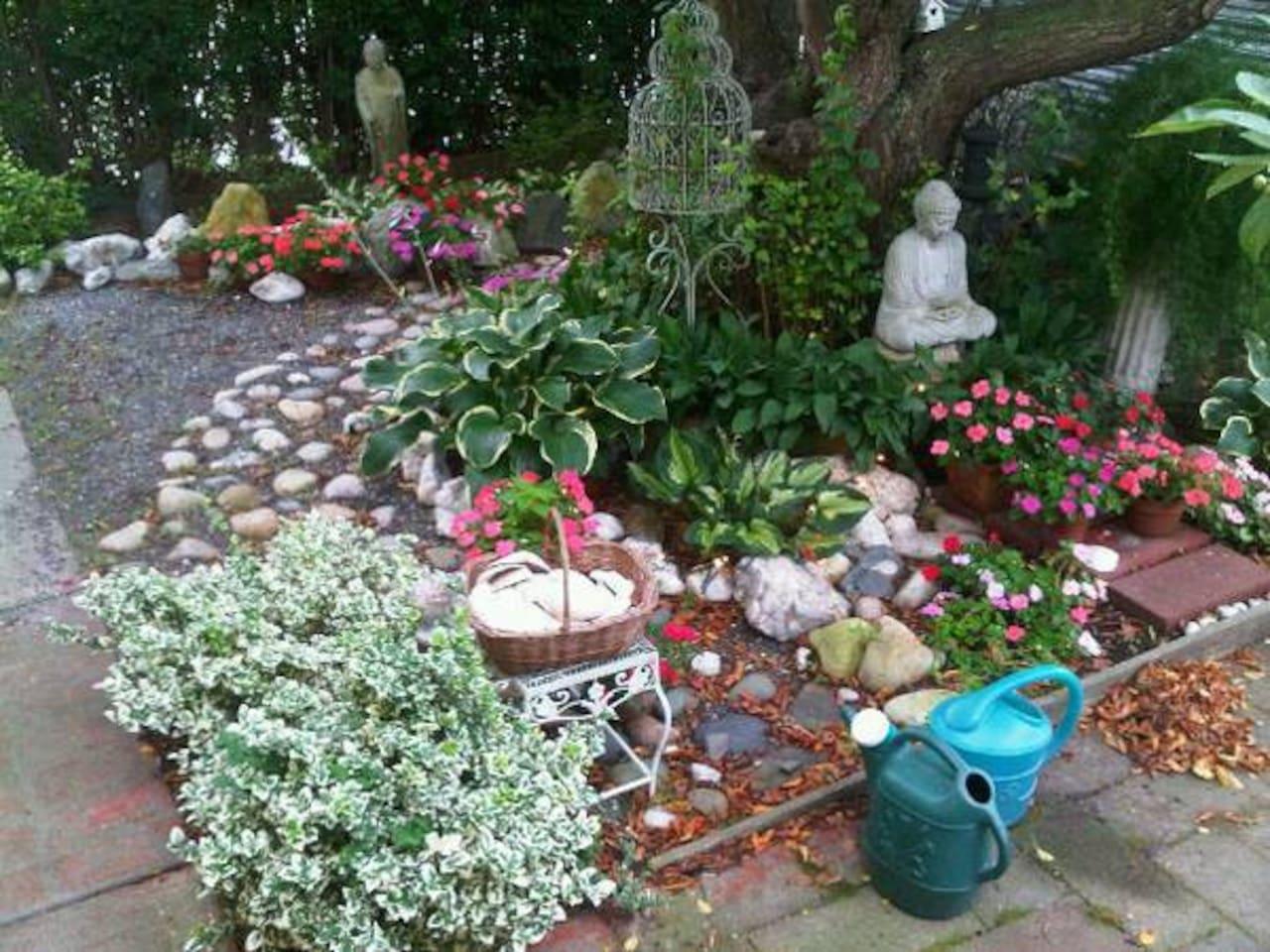 lovely little courtyard