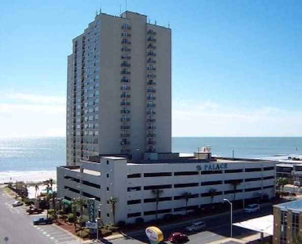A GREAT SPACIOUS STUDIO!! - Myrtle Beach